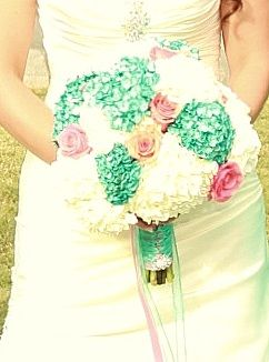 #aqua #coral #wedding #bouquet #hydrangea