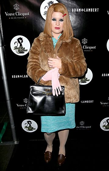 Kelly Osbourne - Nailed it! Kelly Osbourne put on a blonde bob wig with a red barrette, dark eye makeup, and a brown fur coat to transform into Gwyneth Paltrow's Margot Tenenbaum from the 2001 film The Royal Tenenbaums.