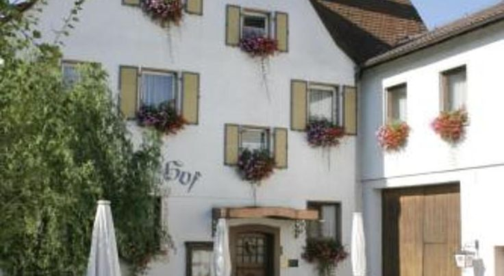 Spessarter Hof Hobbach This family-run hotel in Hobbach is located in the heart of the scenic Elsavatal valley, in the Spessart National Park. It benefits from easy access to the A3 motorway.