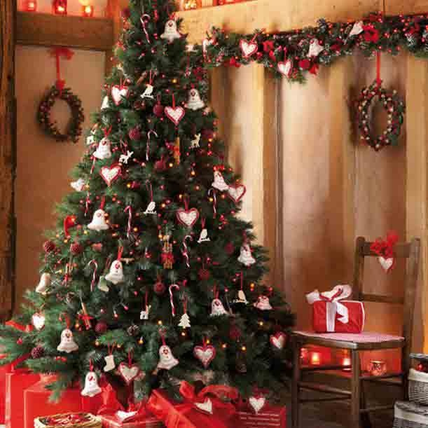 Christmas Tree Decorating Themes With Love