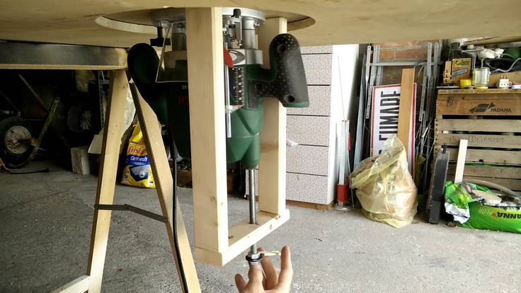 Ultra cheap plunge router table and lift! (Bosch POF 1200 AE)