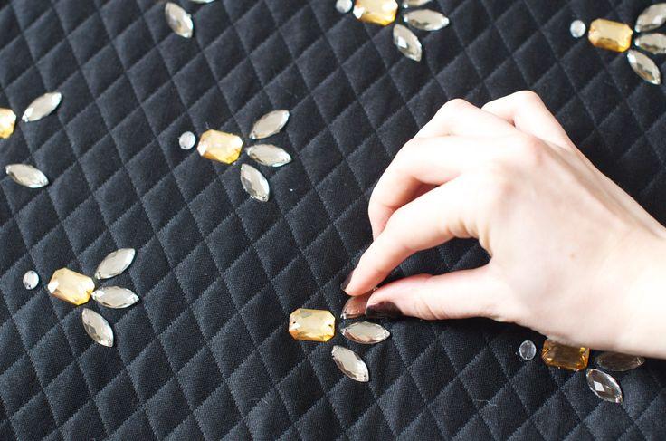 Les 28 meilleures images du tableau strass coudre sur pinterest strass coudre et couture - Fausse pierre precieuse ...