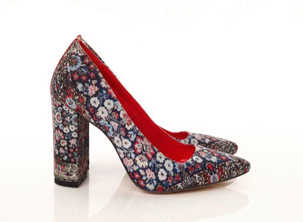 #mihaelaglavanss15 Floral print pumps. Persian carpet inspiration