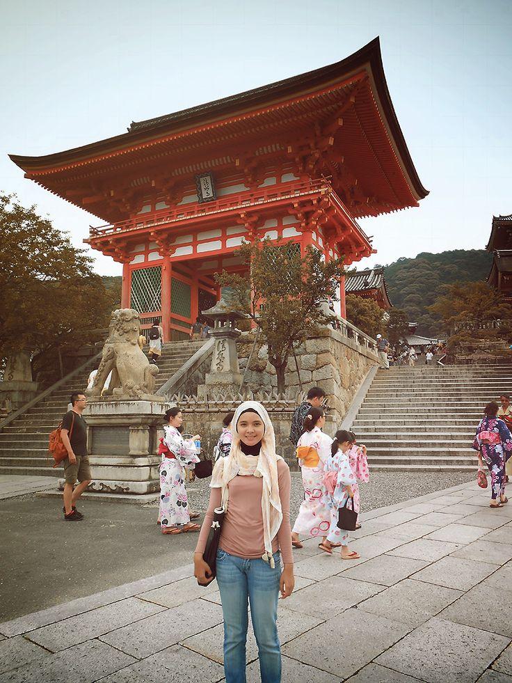 self trip @ Kiyomizudera temple, Kyoto  |  #hijab #travelling