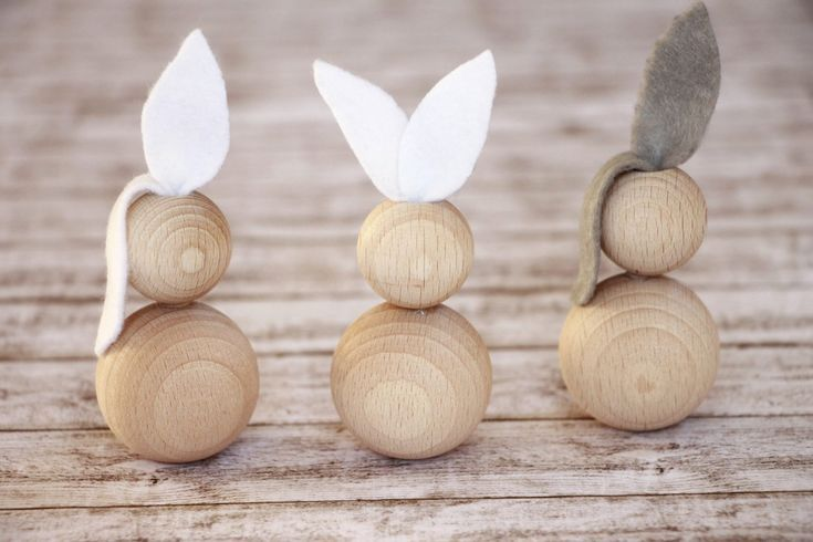 Easter tinkering: Ideas for Easter bunnies made of wooden balls  #balls #bunnies…