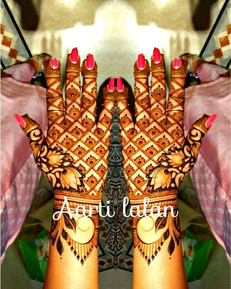Minakari lotus!  For Bridal Mehndi booking and Mehndi classes call on 9820213648.