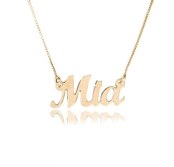 Mer enn 25 bra ideer om gold nameplate necklace p pinterest be part of the latest fashion trend with this gorgeous 14k gold nameplate necklace carefully crafted this necklace is the perfect accessory to any outfit aloadofball Images