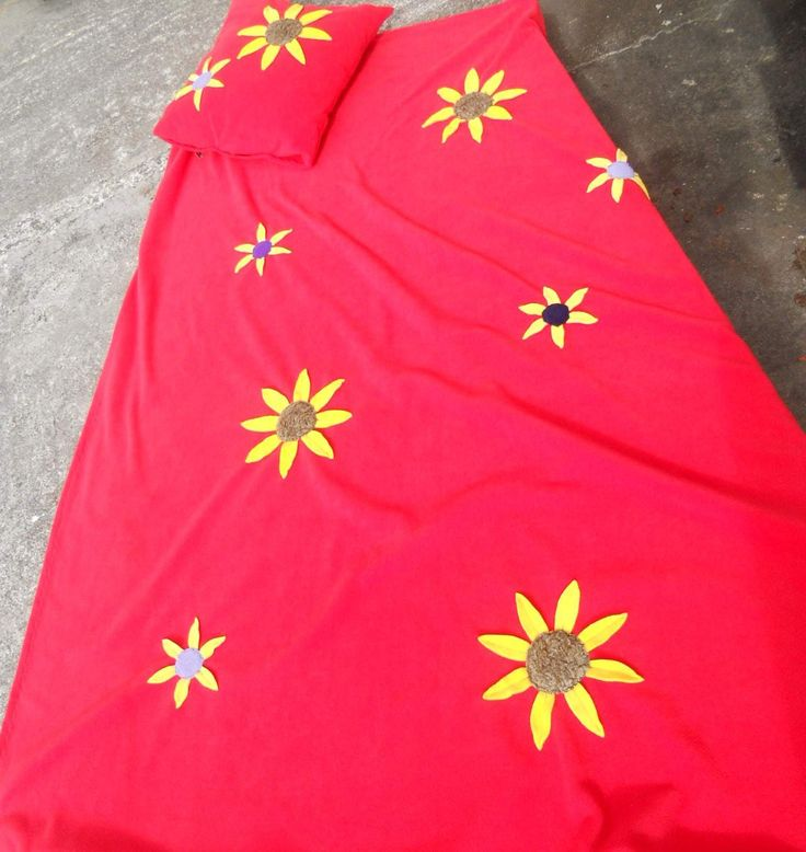 Cosy Fleece Blanket to brighten up your space and keep you warm