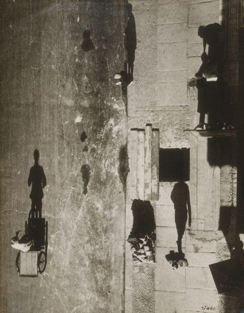Uncanny Street I (Unheimliche Strasse I), 1928 . Photographer: Umbo (Otto Umbehr)