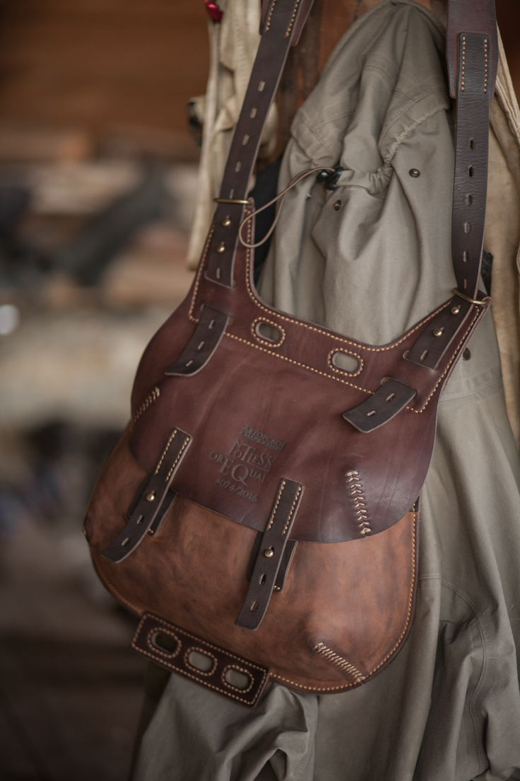 crossbody by Notless Orequal-SR