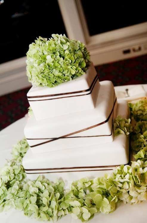 Green hydrangeas and brown ribbons are chic and modern on a square #wedding cake.