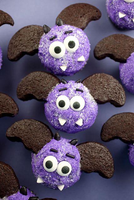 Miniature bat cupakes by Bakerella