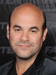 Ian Gomez Joins CBS Pilot 'Cuz-Bros'