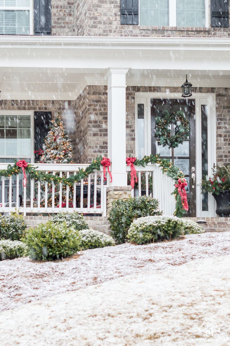 Classic Christmas Decor for a Traditional Front Porch ...