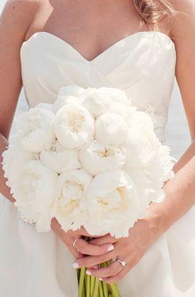 romantic , classic, elegant, all, bouquet, bouquets, floral, flores, flowers, gorgeous, white, #weddingscoop, 30s, brides, glam, gray, their, wedding