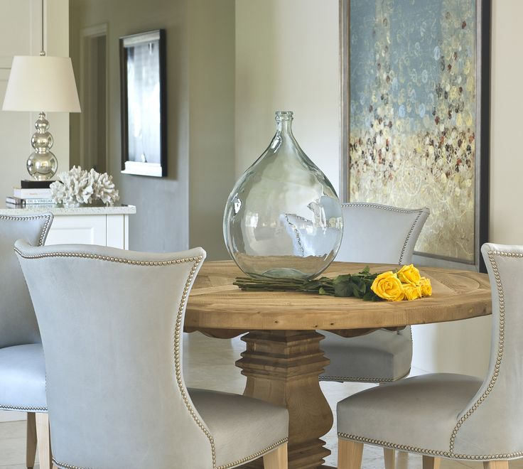 Wolfe Rizor - DiningDecor, Dining Rooms, Rizor Interiors, Design Chic, Beautiful Home, Glasses Jars, Silver Lamps, Wolf Rizor, Leather Chairs