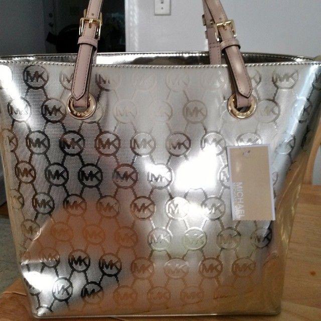 Michael Kors Handbags Refine Your Style With The Michael Kors Collection #Michael #Kors #Handbags