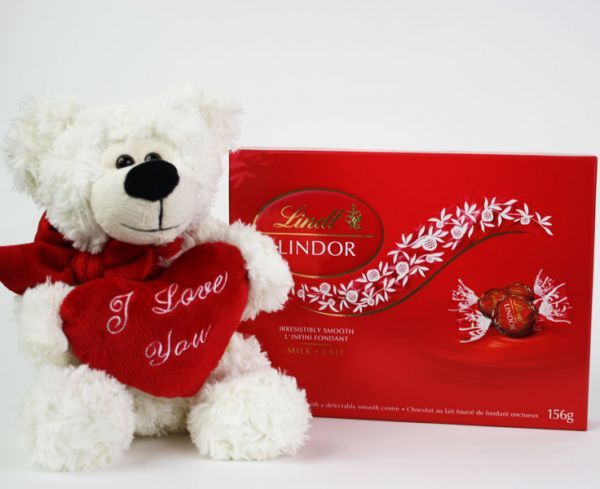 "Flower Creations :: ""I Love You"" Bear and Lindt Chocolates"