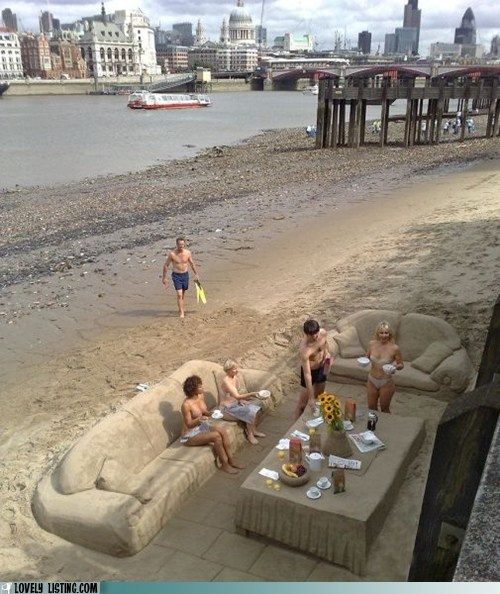 so neat: At The Beaches, Sands Castles, Beaches Furniture, Beaches Chairs, Outdoor Living Rooms, Beaches Living, Beaches Front, Sands Art, Sands Sculpture