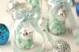 Creamy and sweet, these little mints are a perfect and simple recipe to make.  The end result is a sweet treat that makes the perfect hostess gift.