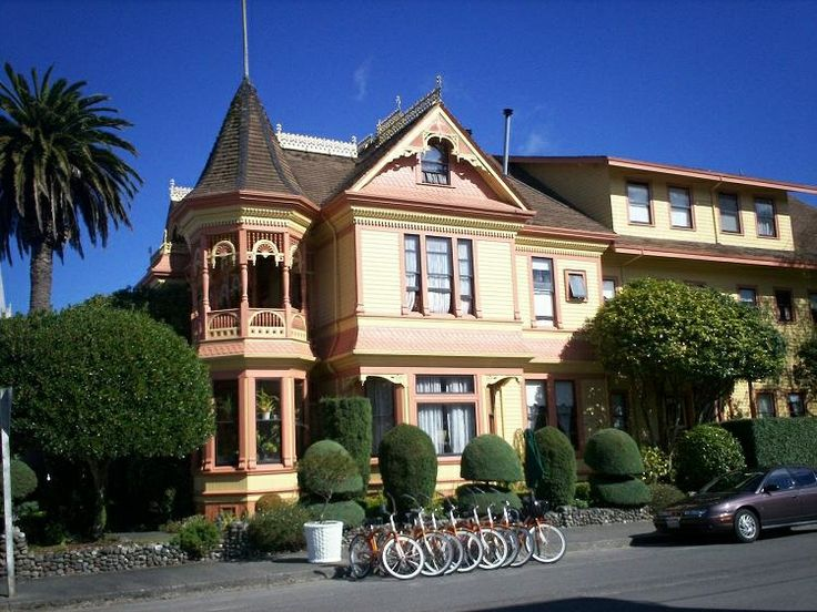 The Beautiful Gingerbread Mansion Hotel In Ferndale California