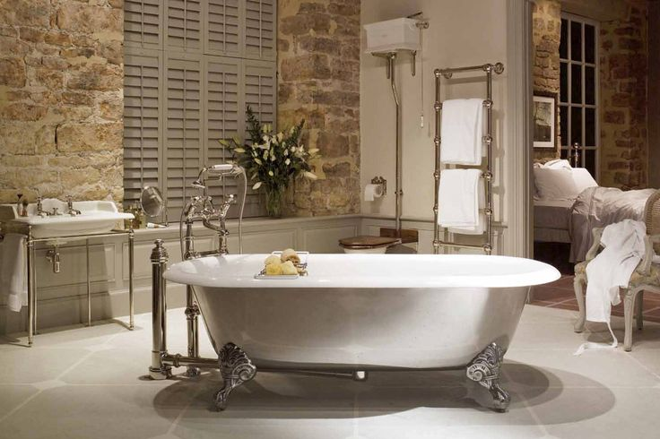 Vrijstaande badkuip op pootjes