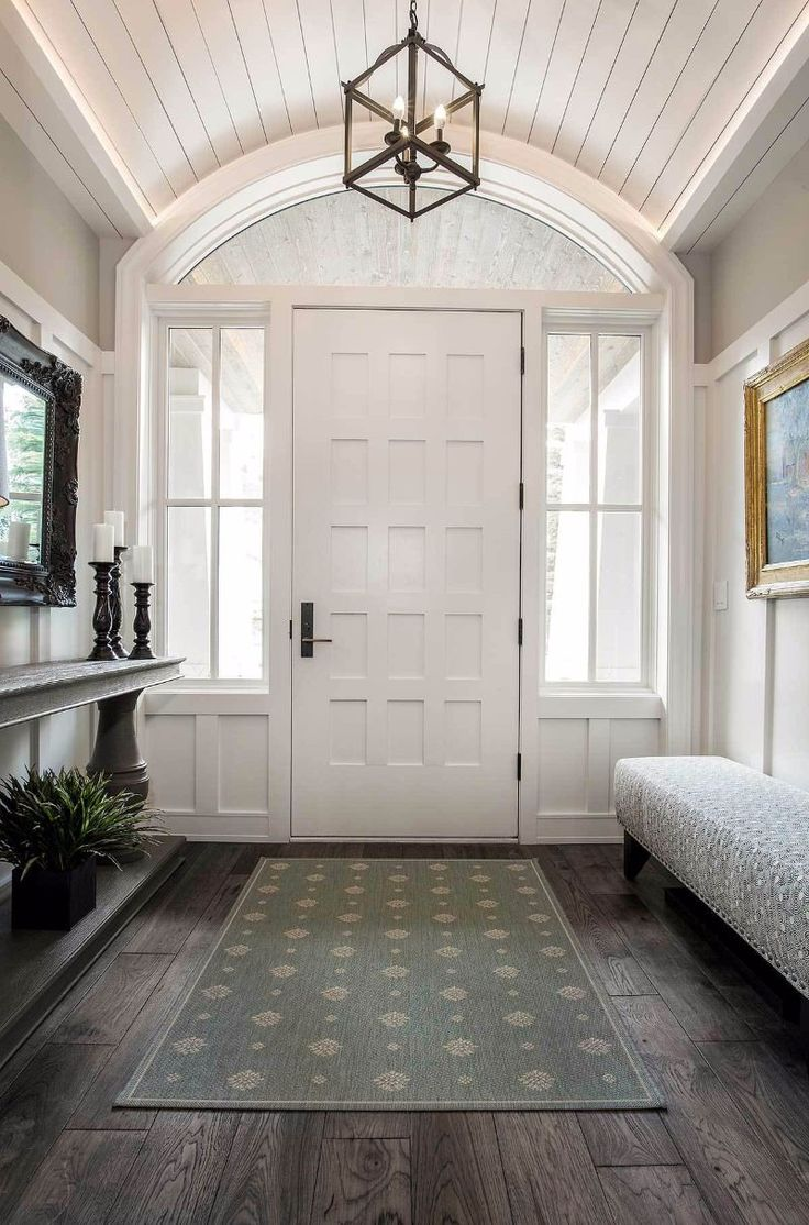 Best 25 craftsman home interiors ideas on pinterest for Luxury foyer design