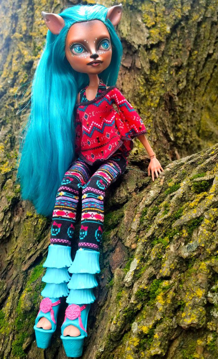 Isi Dawndancer custom OOAK monster high doll repaint by @ladyspoonart
