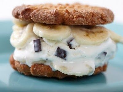 Peanut Butter Cookie Ice Cream Sandwiches: Chocolates Chips, Peanut Butter Banana, Bananas Ice Cream, Ice Cream Sandwiches, Bananas Chocolates, Banana Ice Cream, Peanut Butter Cookies, Butter Bananas, Chips Ice