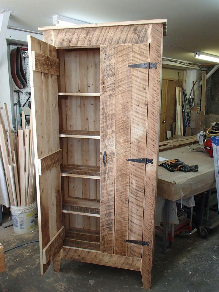Armoire en bois de grange restauration et construction for Armoire salle de bain bois