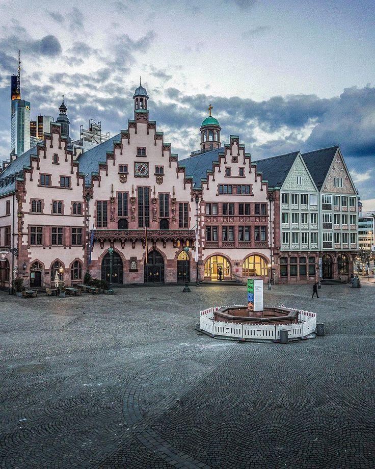 Frankfurt A M Der Romer Frankfurt Frankfurter Romer Instagram