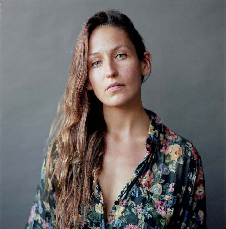 Domino Kirke Is a New Kind of Triple Threat: Musician, Mom, and Doula