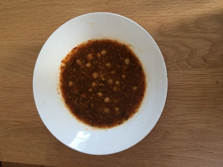 Vind hier het recept voor harira. Deze vullende Marokkaanse maaltijdsoep is vegetarisch, vegan, gezond en vol met smaken uit de sprookjes van 1001 nachten!