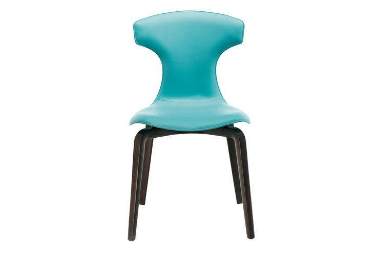 """The """"Montera"""" chair, the common denominator in the designer's work is the lightness of form and, above all, the sensory charm of leather."""