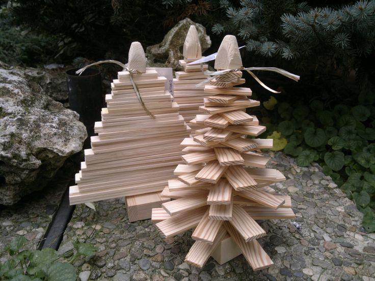 Albero di Natale in listelli di legno naturale spazzolato, decoro natalizio, stile scandinavo, piccolo albero di Natale rustico, decoro di Engardina su Etsy
