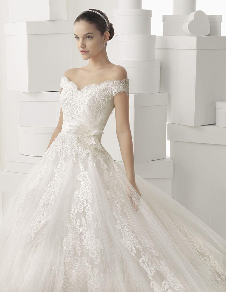 Rosa Clara Wedding Dresses 2014. To see more: http://www.modwedding.com/2014/05/22/rosa-clara-wedding-dresses-2014-part-ii/ #wedding #weddings #fashion #weddingdress