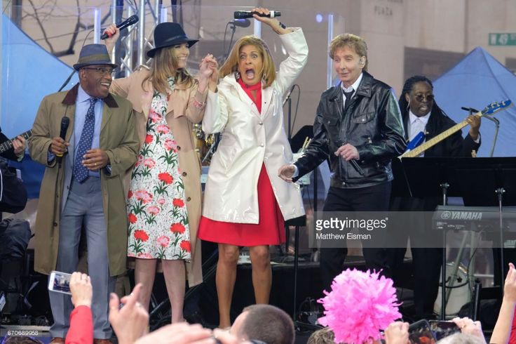 Al Roker, Savannah Guthrie, Hoda Kotb and Barry Manilow on stage for NBC's 'Today' at Rockefeller Plaza on April 20, 2017 in New York City.