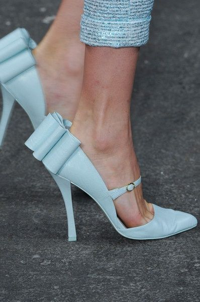 Christian Siriano Spring 2013    These are my FAVORITE shoes yet. The bow placement is perfect!
