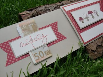 Jolie idée de carte : http://bellas-papiertraeume.blogspot.de/2012/05/ganz-schon-pilzig.html