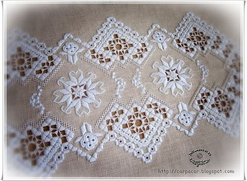 Hardanger Embroidery http://www.needlework-tips-and-techniques.com/ Hardanger embroidery is a simple form of whitework named after the area of Norway where it is found.