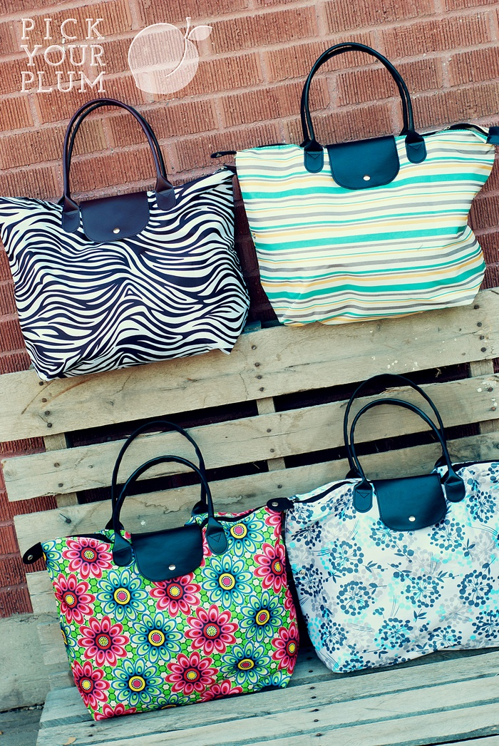 I am in love with these Large Beach Bags and they are under $7. What a deal!