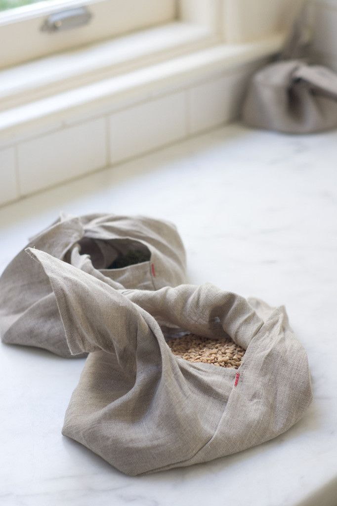 Linen Bento Bags  Use your bento bags:     - at the farmers' market.     - when you shop for grains, rice, or pulses in bulk.     - in your purse for cosmetics, jewelry, or keys.     - as a way to wrap a gift.     - as a way to bundle lunch or snacks.