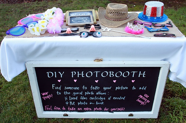 fun photobooth idea...
