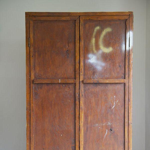 Modele de meuble repeint fabulous liste des courses pour cruser with modele de meuble repeint - Comment relooker une vieille armoire ...