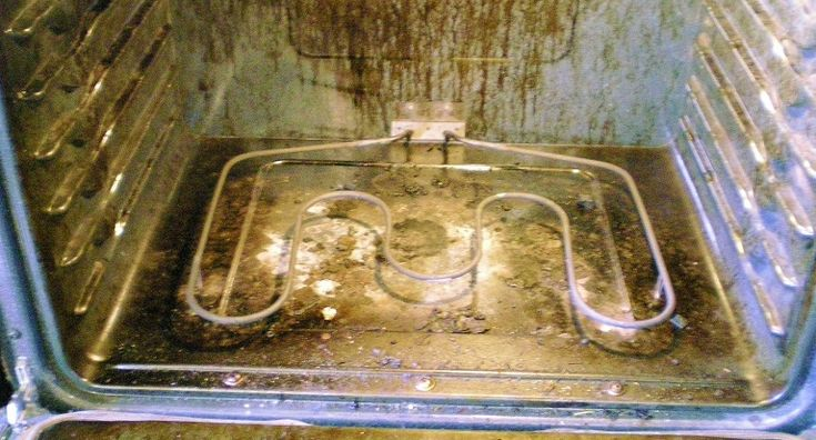 Heb jij een vieze oven? Maak het gemakkelijk schoon met deze schoonmaak tip! - Zelfmaak ideetjes