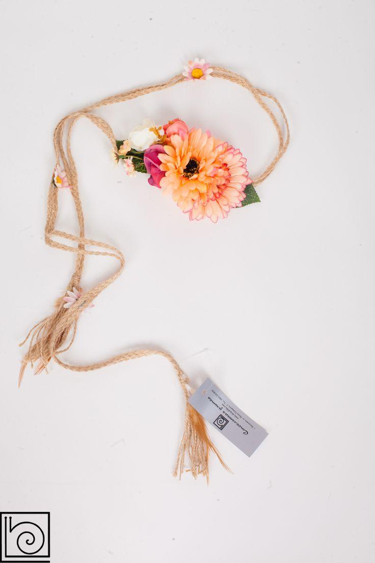 Пояс женский. На веревках из мешковины цветы. Можно завязывать на 2 оборота. Производство Италия.