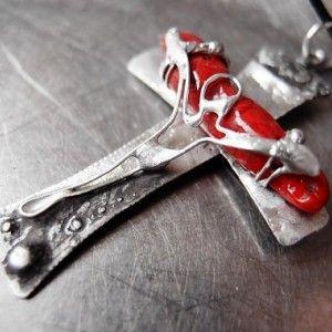 Cítim ho- na objednávku  Predstavujem Vám originálne šperky z dielne Katu-Hula.  Materiál:korál červený,vlastná zliatina strieborného cínu a medi ,  Technika: tiffany-vitráž, tepanie,...