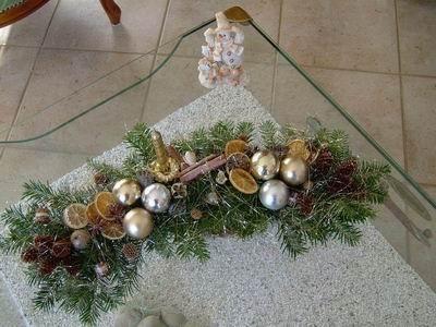Proposition compositions ann e 05 06 montage fleurs - Centre de table de noel ...