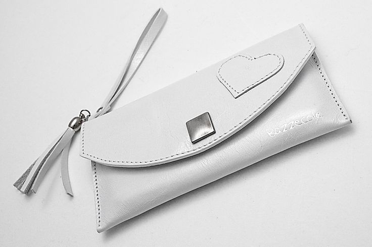 Le custodie in pelle Bazzecole sono ideali per il vostro Smartphone #Samsung e per molte altre marche. #Moda #Fashion #Style #Madeinitaly #Handmade #Bazzecole #custodie #custodia #leather #cases #Polinesia