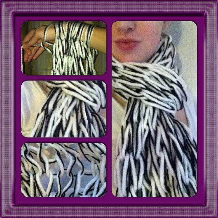 """30 minute scarf by arm knitting. Sjaal in een half uurtje klaar door middel van """"arm breien""""... Echt te simpel, maar een hele leuke sjaal :)"""
